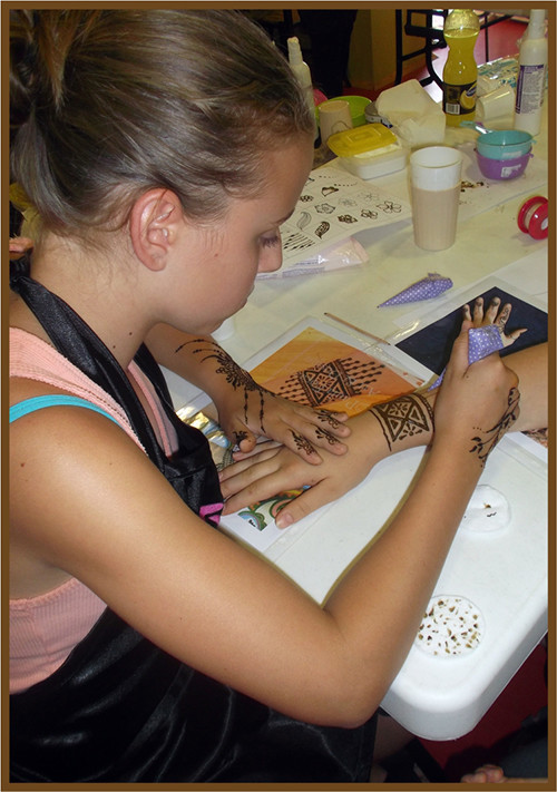 Henna képzésen