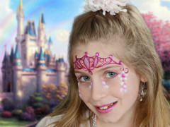 Varázsolj hercegnőt egy kislányból 6 lépésben! [Koronás arcfestés virágokkal]