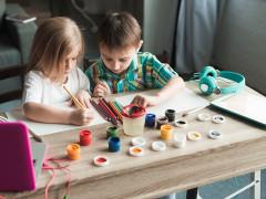 Készségfejlesztő játékok otthonra, ajándék feladatlapokkal