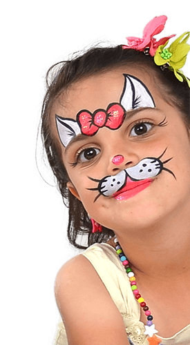 Lány arcfestéssel