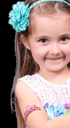 Csillámtetkó egy kislányon